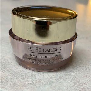 Estée Lauder Resilience Lift